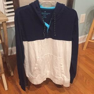 American Eagle hooded T-shirt